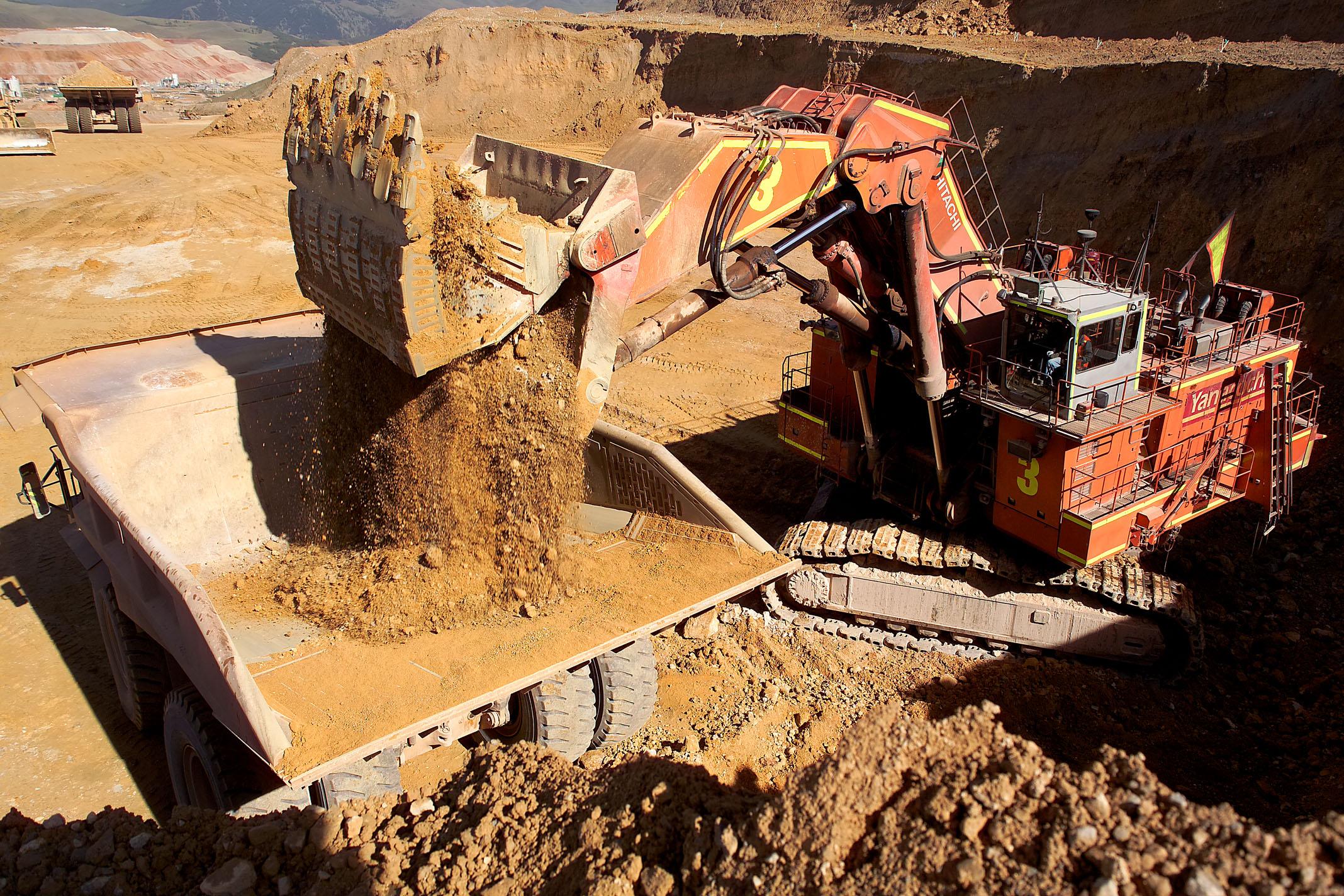 extracción de recursos minerales de la Tierra